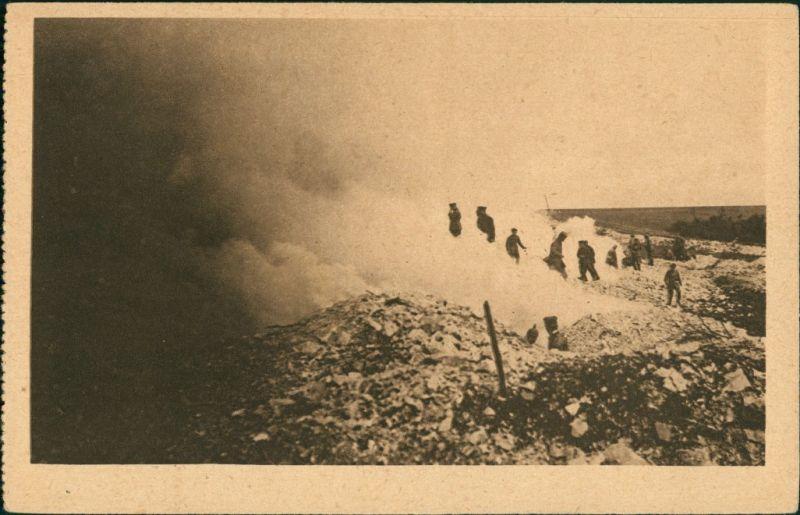 Ansichtskarte  Soldaten - während der Kampfhandlungen Militaria WK1 1917