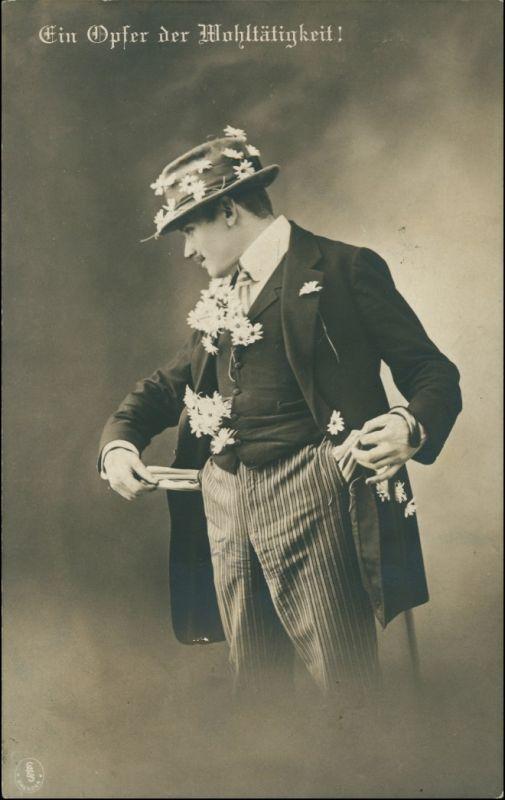 Scherzkarte Mann leere Tasche Ein Opfer der Wohltätigkeit 1915