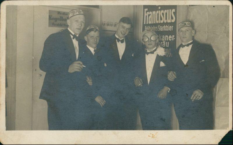 Kegelbrüder vor der Bahn, Franciscus Starkbier 1928 Privatfoto