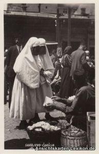 Postcard Sarajevo Türkinnen beim Einkauf auf dem alten Marktplatz 1936