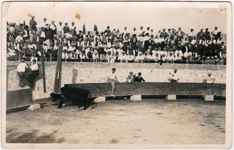 Ansichtskarte  Privatfoto AK - Stierkampf - Arena 1930