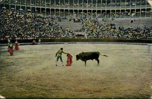Ansichtskarte  Suerte de capa - Stierkampf - Arena 1920
