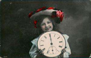 Glückwunsch - Neujahr/Sylvester col Foto Mädchen mit Riesenuhr 1909