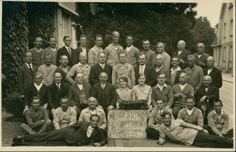 Berggießhübel-Bad Gottleuba Männergruppe auf der Straße 1932 Privatfoto 0