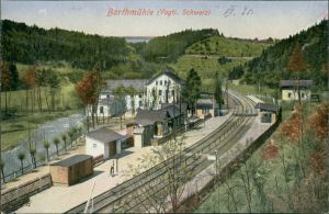 Ansichtskarte Barthmühle-Pöhl Partie am Bahnhof 1913