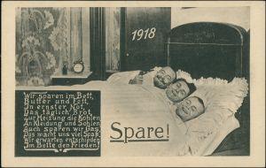 Ansichtskarte  Spare! Scherzkarte 3 Männer in einem Bett 1918