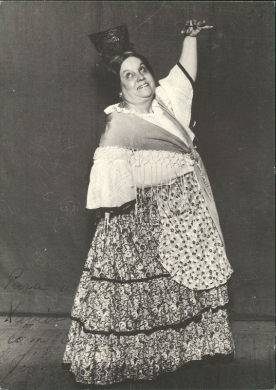 TERESA GOMES RETRATOS DE GENTE DO PALCO/Frau in einheimischer Tracht 1956