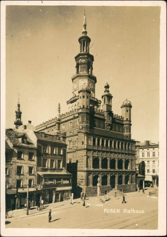 Foto Posen Poznań Rathaus - Geschäft L. Krause 1943 Privatfoto