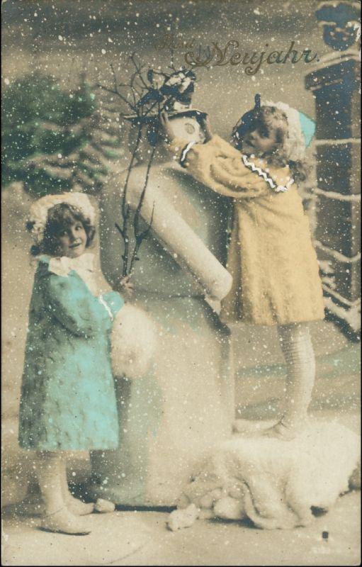 Ansichtskarte  Kinder - Schneemann, colorierte Fotokarte 1908