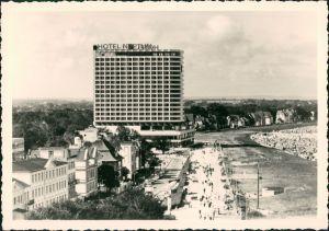 Ansichtskarte Warnemünde-Rostock Straße, Hotel Neptun - Stadt 1974