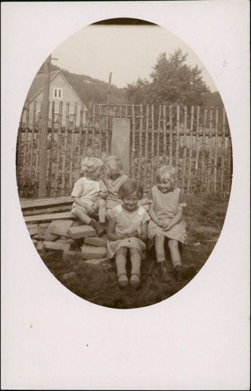 Foto Altendorf bei Kahla Kinder vor Haus 1928 Privatfoto