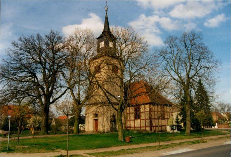 Ferchland (Elbe)-Elbe-Parey Strassen Partie a.d. Kirche, Aufnahme  Genthin 2005 0