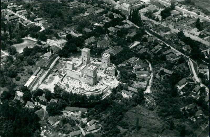 Diósgyőr-Miskolc Miskolc (Miškovec/Miszkolc)  Luftaufnahme 1960