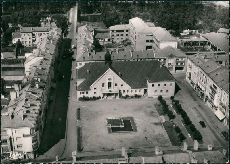 Charmes Vue aérienne de L'Hôtel de Ville et la Place/Luftaufnahme  1960 0