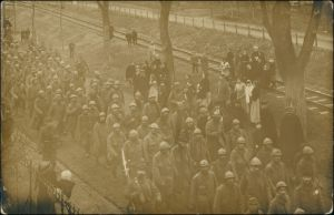 Kriegsgefangene - Engländer - Straße 1. WK Fotokarte 1916 Privatfoto