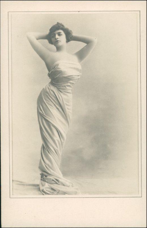 Menschen / Soziales Leben - Erotik (Nackt - Nude) Schöne Frau 1909