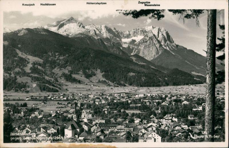 Garmisch-Partenkirchen Garmisch-Partenkirchen gegen Zugspitzgruppe,  1941