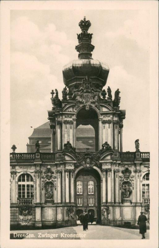 Innere Altstadt-Dresden Dresdner Zwinger Personen am Kronentor DDR Postkarte 1953
