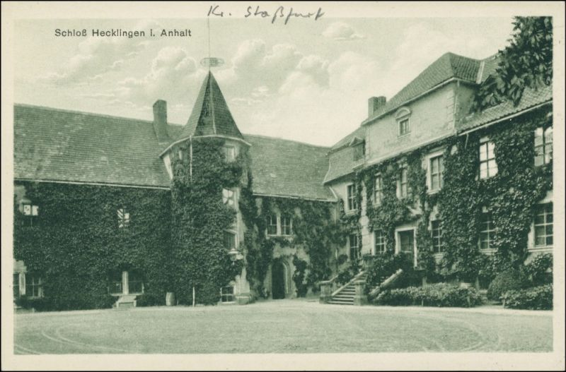 Ansichtskarte Hecklingen (Salzlandkreis) Schloß Gänsefurth - Hof 1924