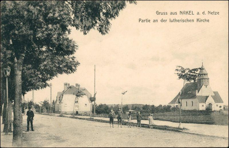Postcard Nakel Nakło Straßnpartie an der Kirche 1918