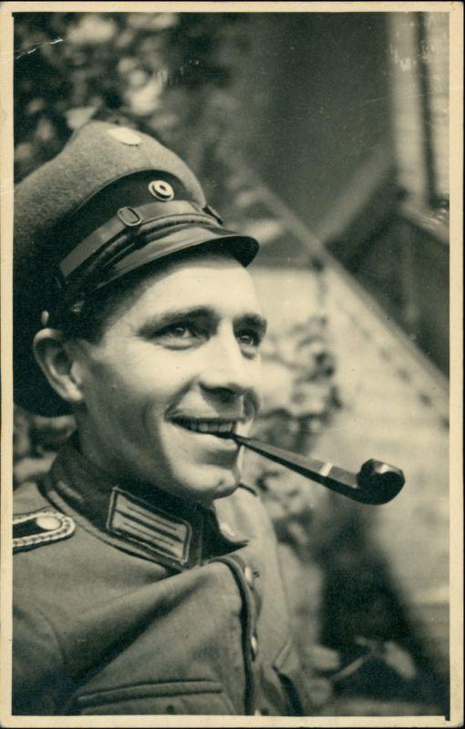 Ansichtskarte  Soldat Porträt mit Pfeife 1940
