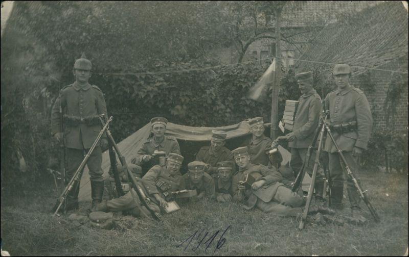 Foto  Rast, Lager Soldaten Unterstand WK1 1916 Privatfoto