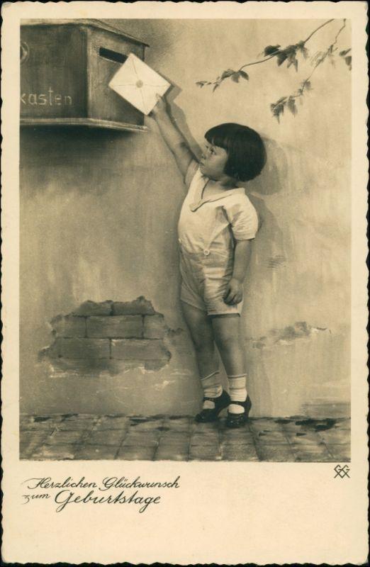 Ansichtskarte  Mädchen wirtft Brief in Briefkasten Geburtstag Fotokunst 1935