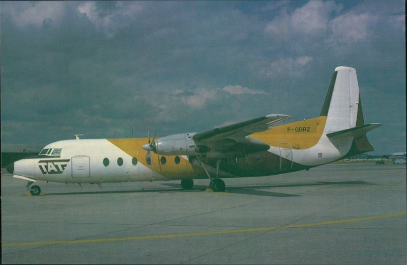 Ansichtskarte  Propellerflugzeug FH 227 (F-GBRZ) F 27 Friendship 1990 0