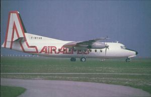 Ansichtskarte  Flugzeuge F 27 Friendship - Fokkers Turboprop (F-BYAB) 1985