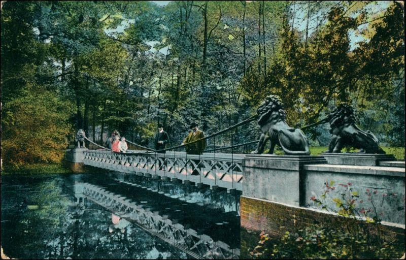 Brücke mit Löwenköpfen Parkanlage