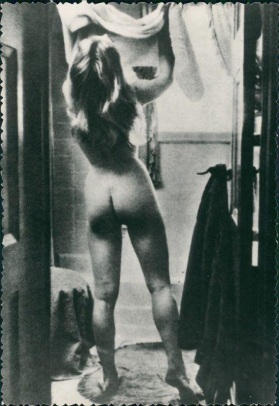 Erotik Erotika nackte Frau im Bad Fotokunst Nude 1959 Privatfoto