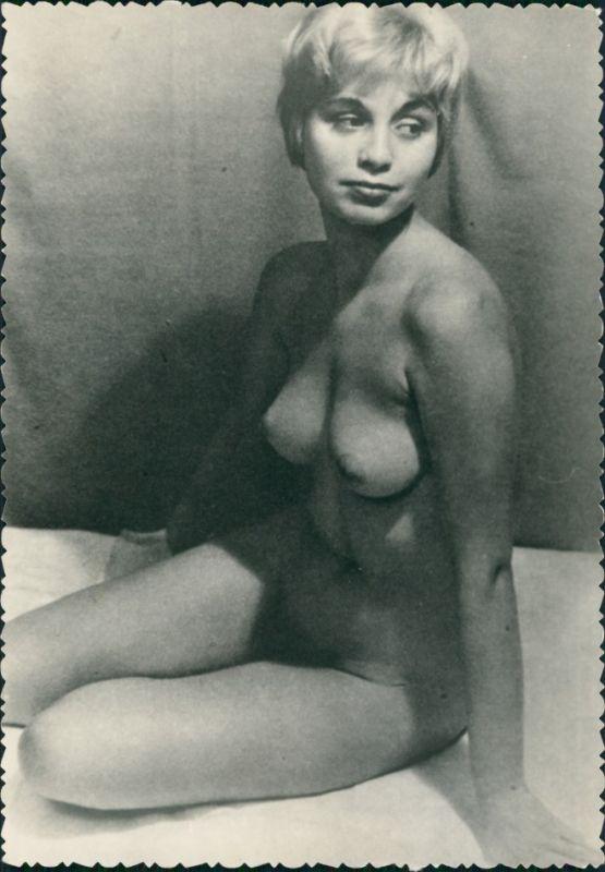 Nackte Frau Nude Erotik Erotika im Atelier Fotokunst 1959 Privatfoto