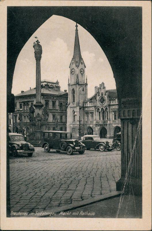 Trautenau Trutnov Autos Oldtimer Cars, Markt, Rathaus, Torbogen-Blick 1944