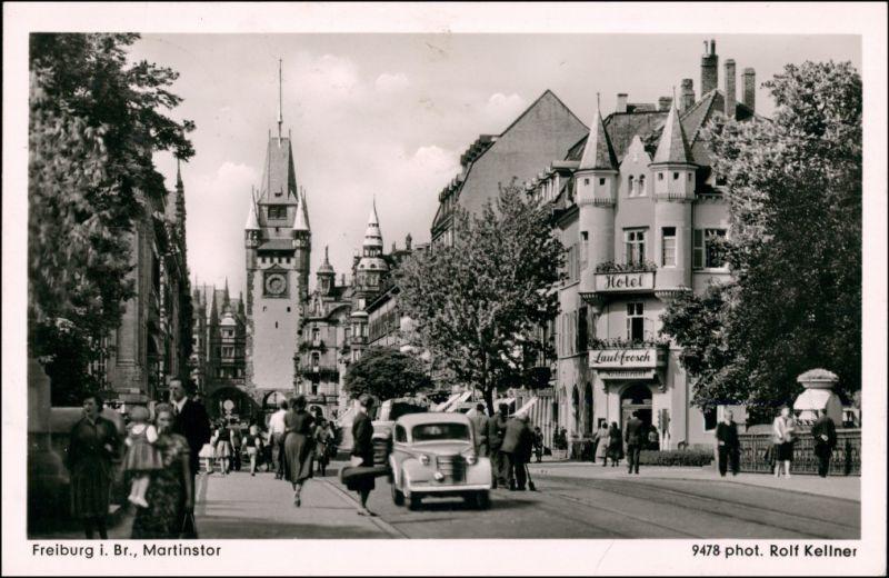 Ansichtskarte Freiburg im Breisgau Martinstor, Auto Hotel Laubfrosch 1952