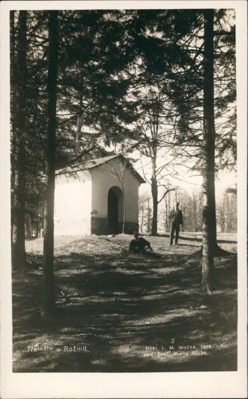 Rožmital, 1939–1945: Rosentha Rožmitál pod Třemšínem Männer pausieren vor einer Hütte 1928