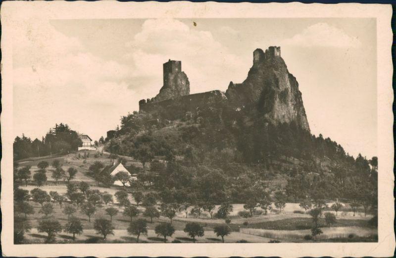 Rowensko bei Turnau Rovensko pod Troskami Hrad Burg Ruine Trosky Burgruine 1947