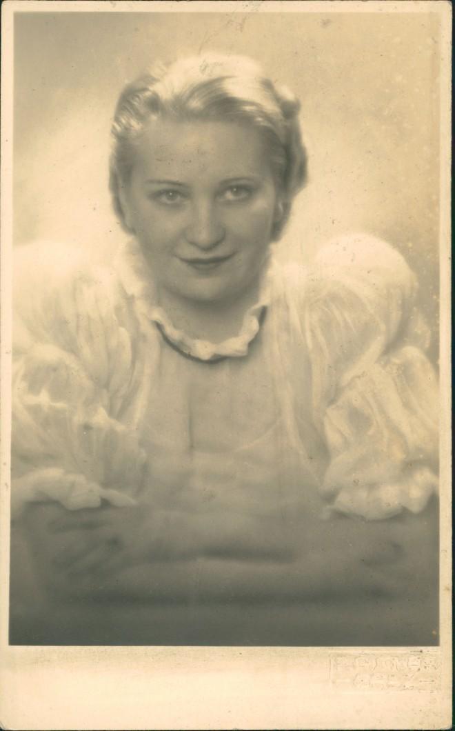 Ansichtskarte  Frauen Porträt Margot Strasburger Vortragskünstlerin 1930