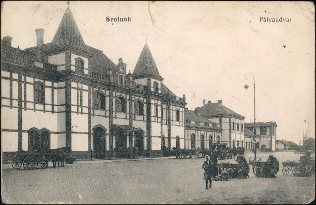Postcard Sollnock Szolnok Bahnhof, Palyaudvar 1910