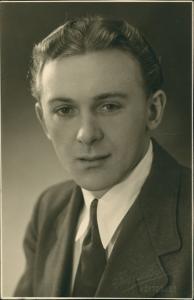 Großhöflein Andenken Foto Mann Porträt Photo im Anzug, Hemd & Schlips 1946