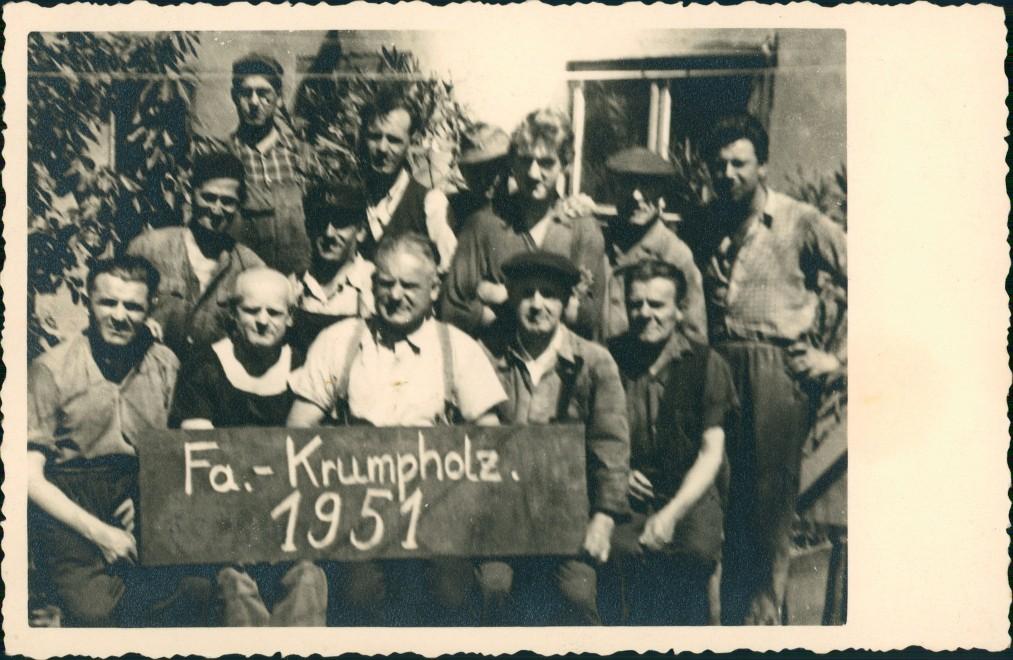 Betriebs- Gruppenfoto Firma Krumpholz Mitarbeiter 1951 Privatfoto