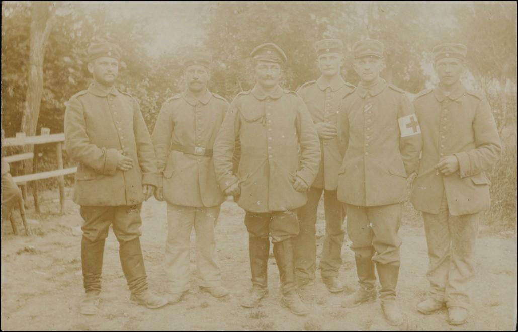 Asfeld (Ardennen) Asfeld (Ardennes) WK1 Soldaten Sanitäter 1915 Privatfoto