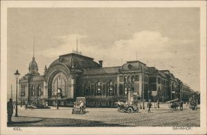 Ansichtskarte Kiel Bahnhof - Autos 1922