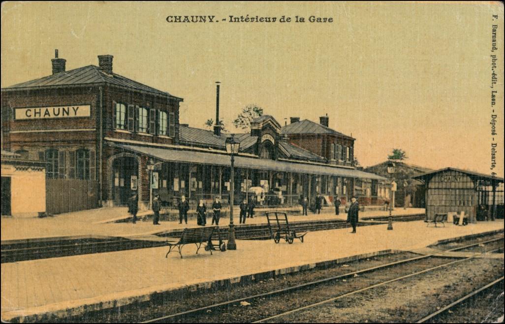 CPA Chauny La Gare/Bahnhof 1918