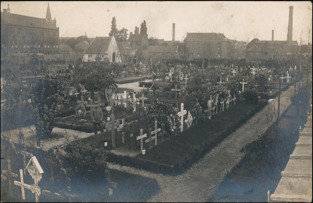 Foto Comines (Nord) Soldatenfriedhof, Fabrik Stadt 1917 Privatfoto