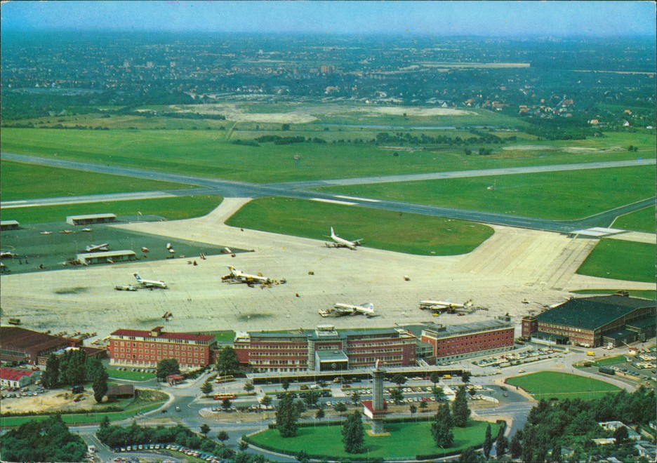Hamburg Flughafen Fuhlsbüttel Airport Luftaufnahme Flugzeuge Rollfeld 1970