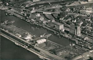 Ansichtskarte Basel Rheinhafen Kl. Hüningen Rhein Hafen Luftaufnahme 1955