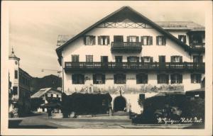 Ansichtskarte St. Gilgen Strassen Partie am Hotel Gasthof Zur Post 1955