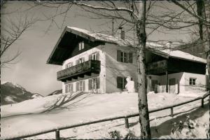 Ruhpolding Partie am Haus WALDFRIEDEN, Unterkunft mit Skihang 1960