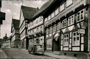 Osterode (Harz) Strassen Partie Rollberg, VW Bully Kastenwagen vor Geschäft 1959