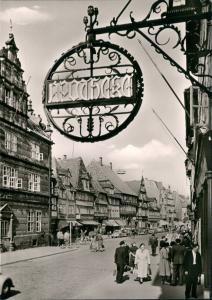 Hameln Osterstraße Personen Rummel vor Apotheke, Geschäfte 1960
